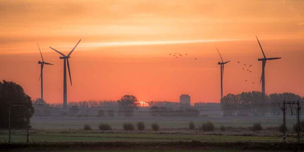 Náš posun k čistej energii v štyroch grafoch