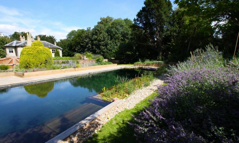 Ako si postaviť  prírodný bazén?