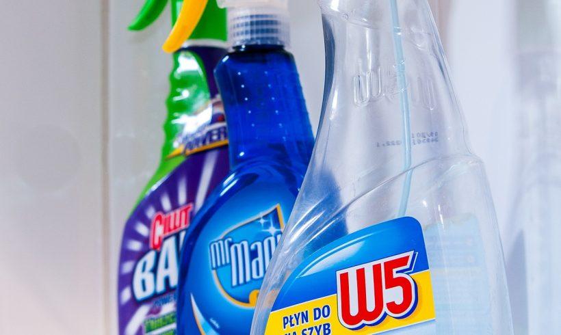 Ako postupovať v prípade nebezpečnej expozície chemickým látkam v domácnosti?